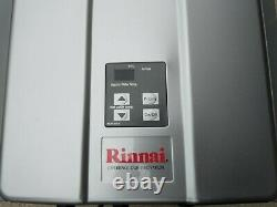 Rinnai Indoor Tankless Hot Water Heater RL94IN/Natural Gas. 9.4 GPM. Dents
