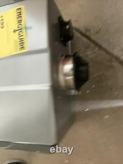 Rinnai RU199iN 11 GPM 199,000 BTU Natural Gas Tankless Water Heater S-8