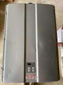 Rinnai RUR199iP High Efficiency 11 GPM 199,000 BTU Propane Tankless Water Heater